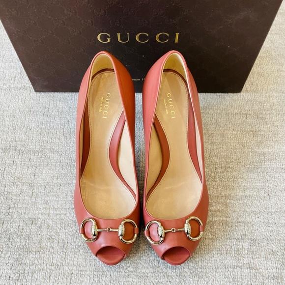 Gucci Hollywood Horsebit Peep Toe Pumps
